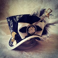 3 micro top hat Steampunk Pirate hat Festival by OohLaLaBoudoir Steampunk Pirate, Steampunk Costume, Renaissance Hat, Pirate Hats, Pirate Theme, Black And White Hats, Cotton Decor, Satin Flowers, Skull And Crossbones