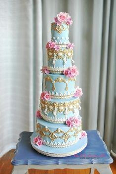 Gilt-y Pleasures — Cake Wrecks Royal Cakes, Cake Wrecks, Gorgeous Cakes, Pretty Cakes, Amazing Wedding Cakes, Amazing Cakes, Cupcakes, Cupcake Cakes, Blue Cakes