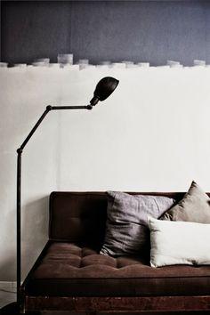 ce mur noir et blanc fondus..ambiance semi industrielle ....