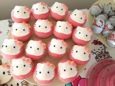 #cup cakes #hellokitty