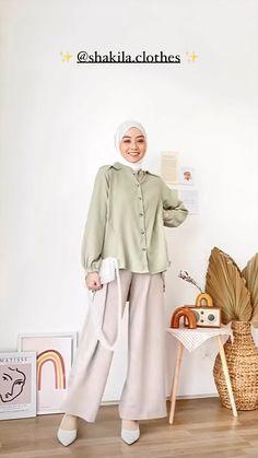 Modern Hijab Fashion, Korean Girl Fashion, Muslim Fashion, Ootd Hijab, Girl Hijab, Hijab Outfit, Basic Outfits, Jean Outfits, Acc Store