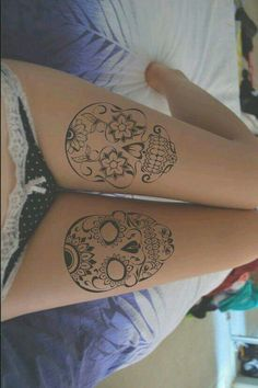 Looking for Sexy Thigh Tattoos for Women? We have the best collection of Sexy Thigh Tattoos for Women. thigh tattoos are so in demand Cute Thigh Tattoos, Skull Thigh Tattoos, Thigh Tattoo Designs, Sugar Skull Tattoos, Tattoo Designs For Women, Leg Tattoos, Body Art Tattoos, Small Tattoos, Girl Tattoos