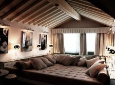 Would love this as my bed - Luxury Suite Overlooking the Grand Canal in Venice