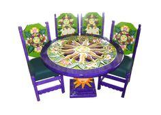 Comedor sol Descripción Diseño: Sol Color: Morado con verde Asiento: Vinil verde Mesa: Redonda  4 Personas