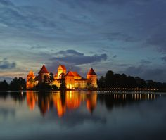 Trakai at night. Beautiful! Yes, I have been in this castle. Twice, actually.