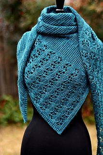 Ravelry: Debussy pattern by Dee O'Keefe Knitted Poncho, Knitted Shawls, Lace Shawls, Knit Cowl, Shawl Patterns, Knitting Patterns, Crochet Pattern, Knit Crochet, Hand Crochet