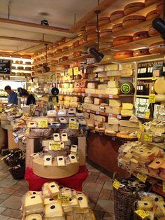 Cheese Shop Amsterdam mmm my favorite! English Cheese, Dutch Cheese, French Cheese, Italian Cheese, Cheese Art, Wine Cheese, Fondue, Amsterdam Shopping, Amsterdam Living