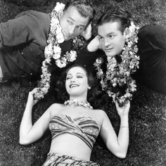 Turner Classic Movies / Bing Crosby, Bob Hope, and Dorothy Lamour in Road To Singapore 1940 Hollywood Fashion, Hollywood Actor, Vintage Hollywood, Hollywood Stars, Classic Hollywood, Hollywood Glamour, Hollywood Actresses, Dorothy Lamour, Turner Classic Movies