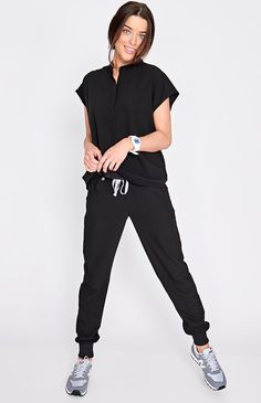 women's Black Zamora – Jogger Scrub Pants – XXS / Black These sleek, stylish jogger scrub pants are super comfy but have a streamlined, urban-inspired feel and functionality to keep up with your hustle. Scrubs Outfit, Cute Scrubs Uniform, Stylish Scrubs, Black Scrubs, Yoga Pants Outfit, Medical Scrubs, Dental Scrubs, Nurse Scrubs, Medical Uniforms