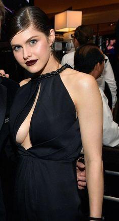 Old Celebrities, Celebs, Hot Actresses, Beautiful Actresses, Alexandra Anna Daddario, Kiara Advani Hot, Beauty Around The World, Foto Pose, Hollywood Stars