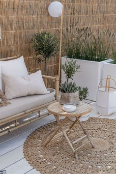 Precious Tips for Outdoor Gardens In general, almost half of the houses in the world… Outdoor Spaces, Outdoor Living, Outdoor Decor, Interior Balcony, Interior Garden, Interior Design, Urban Garden Design, Pergola Design, Small Patio