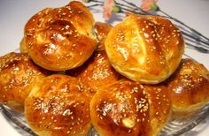 Petits brioches facile - Choumicha - Cuisine Marocaine Choumicha , Recettes marocaines de Choumicha - شهوات مع شميشة Plus Morrocan Food, Thermomix Bread, Eastern Cuisine, Ramadan Recipes, Pastry And Bakery, International Recipes, Crepes, Brunch, Cooking Recipes
