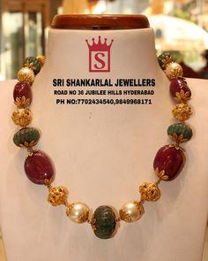 Gemstone Jewelry, Beaded Jewelry, Gold Earrings Designs, India Jewelry, Pearl Chain, Latest Jewellery, Designer Earrings, Chains, Jewelry Design