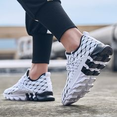 Lightweight Running Shoes, Running Shoes For Men, Running Sneakers, Sport Fashion, Fashion Shoes, Sport Casual, Men Casual, Baskets, Aktiv