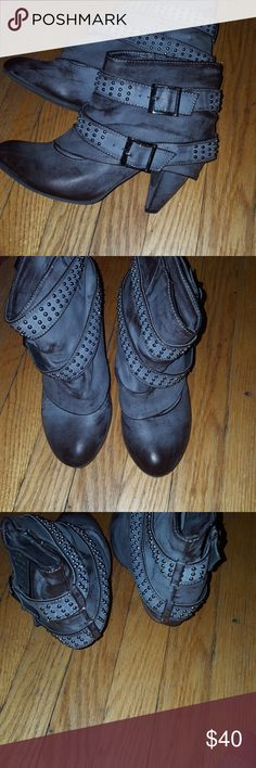 Aldo fashion boots These are a trendy pair of boots that dress up any outfit.  Its washed grey brown color goes great with most clothes. Aldo Shoes Ankle Boots & Booties