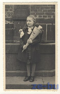 1940s vintage photo pc SWEET LITTLE GIRL in PIGTAILS w/ SCHOOL CONE zuckertuete