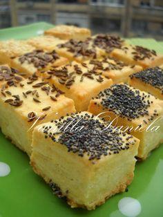 vanilla: Nehéz sós teasütemény Baking Recipes, Keto Recipes, Dessert Recipes, Kiflice Recipe, Bread Dough Recipe, Serbian Recipes, Sandwich Cake, Food Decoration, Special Recipes