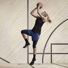 WNBA MVP and Nike Basketball athlete Elena Delle Donne getting her Dirk on. Basketball Senior Pictures, Basketball Quotes, Basketball Drills, Love And Basketball, Nike Basketball, Women's Basketball, Brittney Griner, Ball Hairstyles, Wnba
