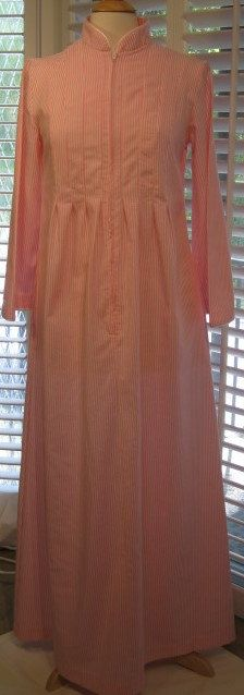 1980s Pink Seersucker Housecoat/Robe by David Brown for Saks Fifth Avenue by GoodBuyForNow on Etsy
