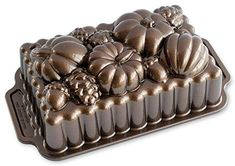 Nordic Ware 91648 Harvest Bounty Loaf Pan, One Size, Bronze Boutique Patisserie, Meatloaf Pan, Pumpkin Spice Bread, Holiday Pies, Nordic Ware, Loaf Cake, Fall Baking, Bakeware, Cake Pans