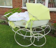 A stroller is one of the most important things you'll buy for your baby, but even with a proper test drive in the store, it's hard to anticipate how a stroller will handle real life. Check out the best strollers according to thousands of parents. Umbrella Stroller, Pram Stroller, Baby Strollers, How Big Is Baby, Big Baby, Vintage Pram, Prams And Pushchairs, Baby Buggy, Dolls Prams