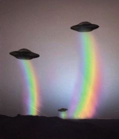 rainbow, alien, and ufo image Alien Aesthetic, Aesthetic Space, Rainbow Aesthetic, Aesthetic Drawing, Aesthetic Vintage, Vaporwave, Color Splash, Space Grunge, Photographie Portrait Inspiration