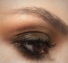 60+ Most Sexy Mistery Brown Eye Makeup Inspirational Looks For You Should Try - Page 24 of 63 - Coco Night Makeup Looks For Brown Eyes, Sexy Makeup, Stunning Makeup, Facial, Glamour, Inspirational, Beautiful, Beauty Products, Night