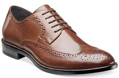 Top 5 Mens Dress Shoes to Own Low Heel Dress Shoes, Boys Dress Shoes, Boys Shoes, Shoes Men, Comfortable Dress Shoes, Business Casual Outfits, Oxford Shoes, Dapper Men, Urban Style