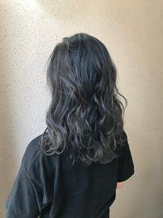 Black Hair With Highlights, Hair Highlights, Korean Hairstyles Women, Cool Hairstyles, Cut My Hair, Hair Cuts, Vivid Hair Color, Stylish Haircuts, Coloured Hair