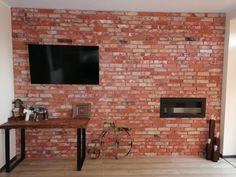 Ściana wykonana za pomocą cegły RETRO CLASSIC Retro, Flat Screen, Classic, Blood Plasma, Derby, Flatscreen, Classic Books, Retro Illustration, Dish Display
