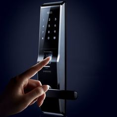 Fingerprint Digital Door Lock By Samsung / Touch pad screen. Auto and manual locking mode. Home Gadgets, Gadgets And Gizmos, Tech Gadgets, Home Technology, Technology Gadgets, Medical Technology, Energy Technology, Safety And Security, Home Security Systems
