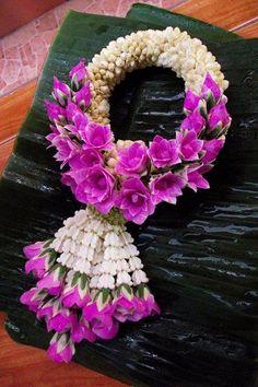 Floral Garland, Flower Garlands, Flower Decorations, Wedding Decorations, Wedding Ideas, Fruit Flowers, Cloth Flowers, Thai Decor, Thai Art