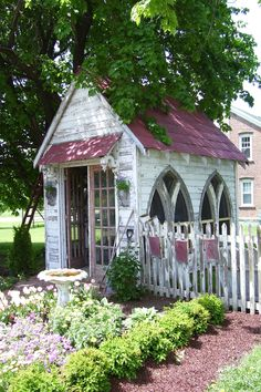 Garden sheds on pinterest outdoor sheds sheds and for Garden shed quilting