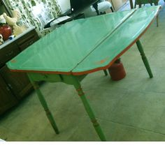 Vintage Antique Jadeite Dark Green Enamel Porcelain Drop Leaf Kitchen Table