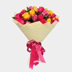 Артикул: 035-272 Состав букета: 31 роза желтого, розового и малинового цвета, оформление Размер: Высота букета 60 см Роза: Выращенная в Украине http://rose.org.ua/bukety-iz-roz/1506-utrennij.html #букеты #букетроз #доставкацветов #RoseLife #flowers #SendFlowers #купитьрозы #заказатьрозы #розыпоштучно #доставкацветовкиев #доставкацветовукраина #срочнаядоставка #заказатьрозыкиев