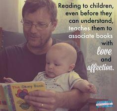 Lire aux tout-petits bien avant qu'ils ne comprennent leur permet d'associer les livres et la lecture à l'amour et à l'affection...
