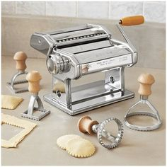Make perfect ravioli with Sur la Table's Round Ravioli Stamps. LOVE SUR LA TABLE!!!!!!!!!!!