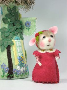 Dressed Mouse/Bunny Class  Needle Felting Class to create BOTH the Bunny and Mouse By Barby Anderson (Kit Available and sold separately) by barby303 on Etsy https://www.etsy.com/listing/155401582/dressed-mousebunny-class-needle-felting