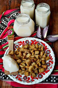 Toba de casa - CAIETUL CU RETETE Romanian Food, Glass Of Milk, Cake Recipes, Food Cakes, Christmas, Pork, Romanian Recipes, Cakes, Xmas