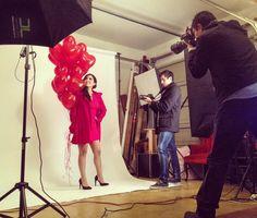 Sesión fotográfica de promo para 14 de febrero! #love #lovers #instalove #lovely #inlove #sanvalentin #sanvalentinesday #valentineday #14febrero #lovephotography #lovephoto #balloons #globo #ladyinred #camera #photographer #photo #behindthescenes #behindthescene #pictheday #lovepic #photoftheday by: #garagephotostudio by garage_photostudio