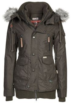 MARGRET - Winter jacket - oliv. Jacket is literally calling my name!