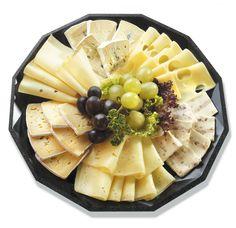 Wie findet ihr diese Käseplatte vom Eurospar? Das ist doch eine super Alternative zum warmen Abendessen bei dieser Hitze. www.inntalcenter-kufstein.at