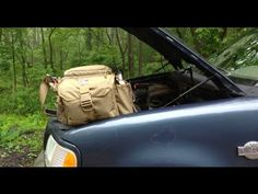 Vintage bushcraft skills that all wilderness fanatics will certainly want to master now. This is most important for bushcraft survival and will defend your life. Emergency Bag, Emergency Preparation, Survival Prepping, Emergency Preparedness, Survival Skills, Emergency Supplies, Wilderness Survival, Bushcraft Backpack, Bushcraft Kit
