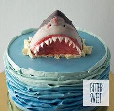 Shark Cupcakes, Shark Cake, Shark Birthday Cakes, 11th Birthday, Torta Pj Mask, Fondant Christmas Cake, Shark Party, Hai, Drip Cakes