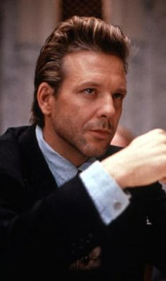 "Mickey Rourke in ""Desperate Hours"" (1990). DIRECTOR: Michael Cimino."