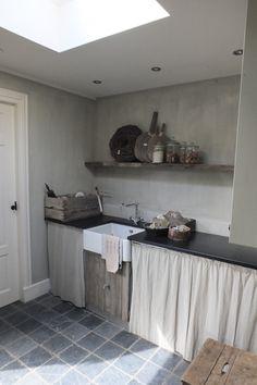 Binnenkijken kantoor en bijkeuken | Styling & Living
