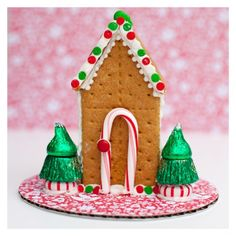 Graham Cracker Gingerbread Houses on Milk Cartons!
