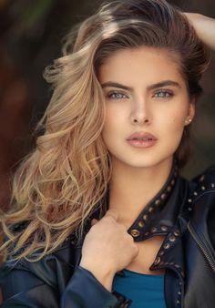 Beautiful Girl like Fashition 50 📌 Most Beautiful Faces, Beautiful Girl Image, Beautiful Eyes, Gorgeous Women, Beautiful Pictures, Girl Face, Woman Face, Brunette Beauty, Hair Beauty