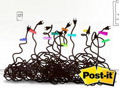 Organiza tus cables con Post-it®    Utiliza las etiquetas Post-it® para organizar el desorden de cables en tu casa.
