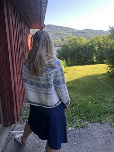 Ravelry: Symphony by Anne Merete Fjeld - Varm design Knitting Designs, Ravelry, Skater Skirt, Lady, Skirts, Pattern, Fashion, Knitting Projects, Moda